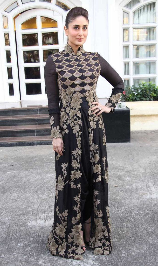 Kareena Kapoor in Anamika Khanna couture