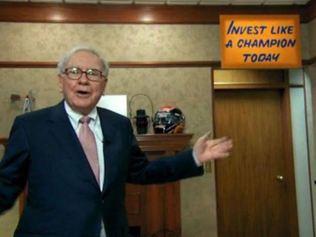"""Kto by ho nepoznal. Warren Buffett, prezývaný tiež """"Veštec zOmahy"""", je zrejme tým najgeniálnejším investorom sveta, ktorý sa už vmladosti vyznačoval skvelým čuchom na dobré investície. Kým jeho rovesníci naháňali dievčatá a..."""