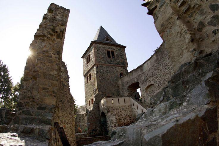 Burg Frankenstein – Geburtsort einer Legende - TRAVELBOOK.de