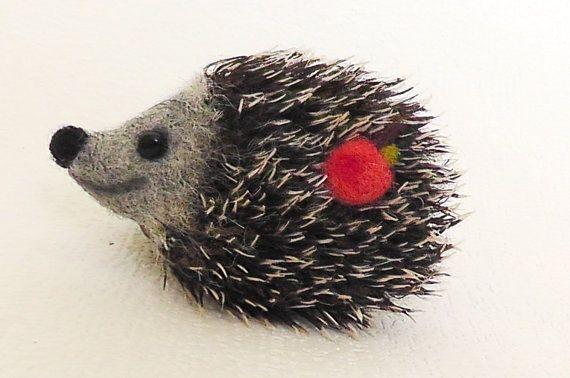 Vilten broche Hedgehog van Valyashki op Etsy