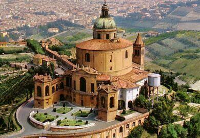 La II sezione della Corte d'appello di Bologna (Pederiali, Di Bari e Passerini) ha condannato a 4 anni e 2 mesi, dopo una camera di consiglio di meno di un'ora, un sacerdote bolognese, …