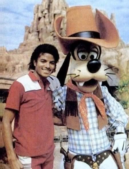 Michael Jackson Rare Thriller Era | 1983 Disney Land Photo by Tholstrup83 | Photobucket
