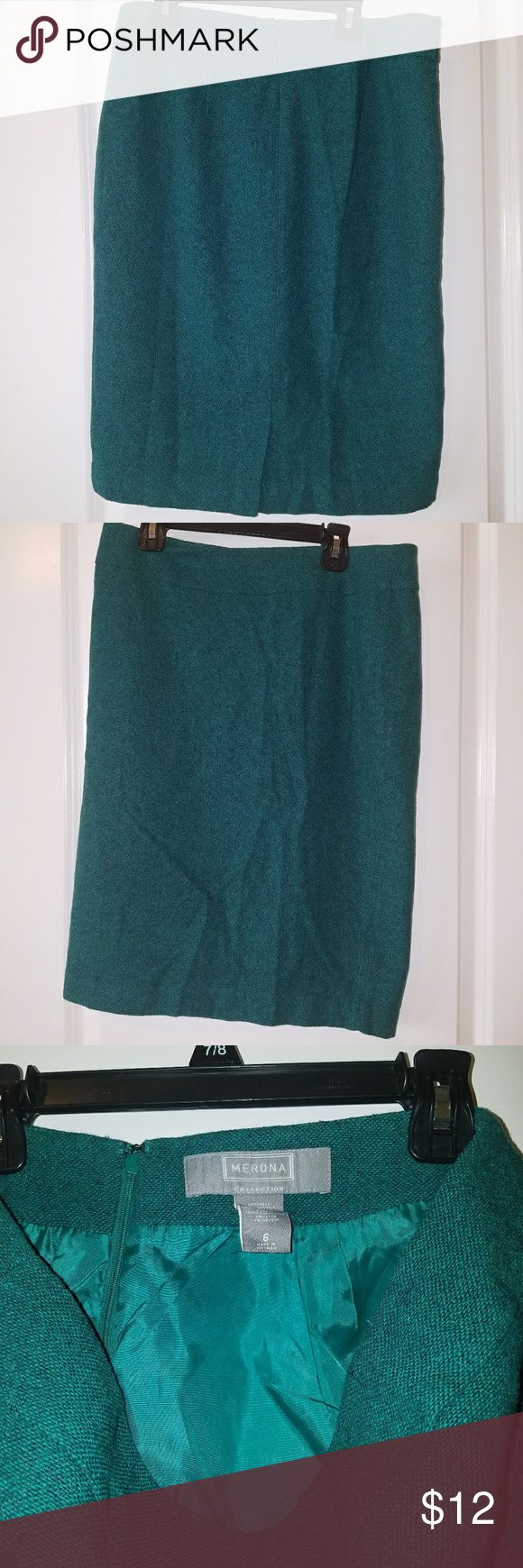 Merona green pencil skirt Tweed like material. Lined with split in back and invisible zipper. Beautiful emerald green color Merona Skirts