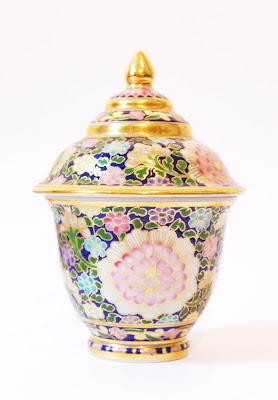 Cute litte pot hand painted in Thailand