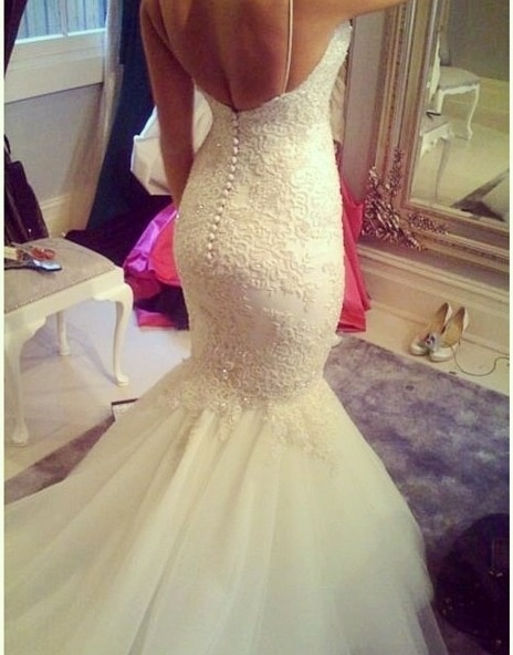 Mermaid style wedding dress.