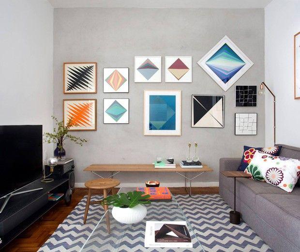 A parede de tecnocimento abriga parte da coleção de obras de arte de Marcelo e se tornou o cantinho favorito do arquiteto. Com obras de…