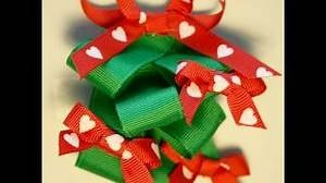 Yahoo! Video Detail for How to make a Christmas tree hairbow *tutorial*