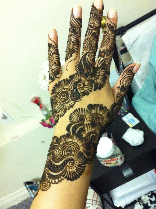 experimenting with my new henna/mehndi cone