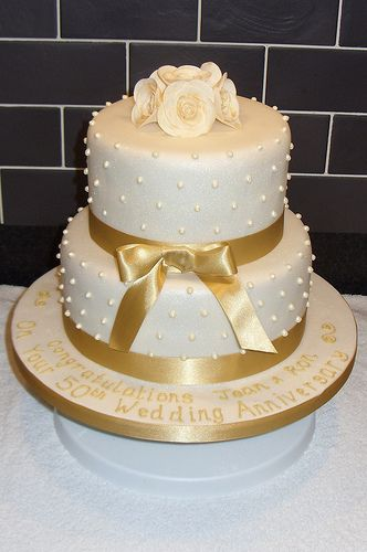 gold 50th wedding anniversary cake | Golden Wedding Anniversary Cake