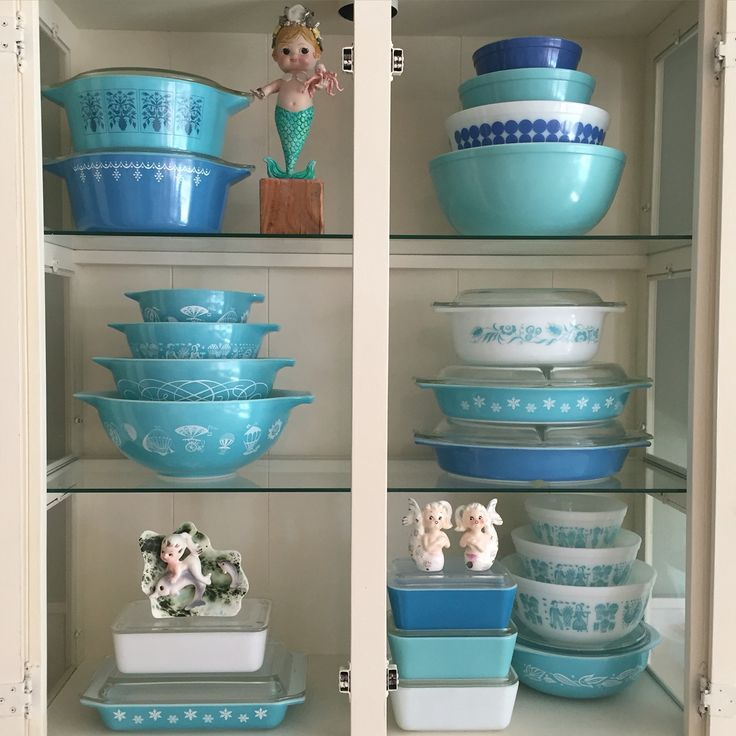 Summer pyrex display!                                                                                                                                                     More