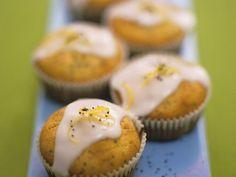 Muffins mit Mohn und Zitrone ist ein Rezept mit frischen Zutaten aus der Kategorie Muffins. Probieren Sie dieses und weitere Rezepte von EAT SMARTER!