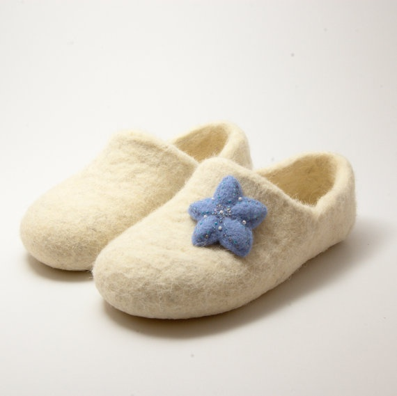 Felted Brooch Pin Blue Star by WoolenClogs on Etsy, $13.00: Brooch Pin, Brooches Pin, Pin Blue, Felt Brooches