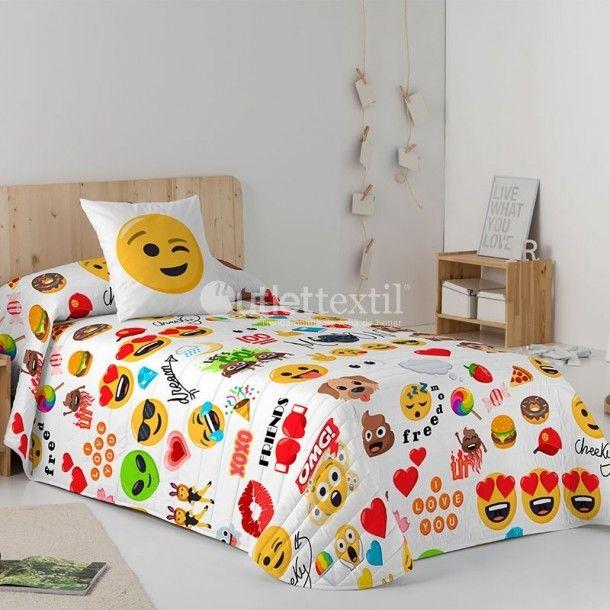 Colcha Bouti PARTY Emoji. Todos los emojis más divertidos los encontrarás en esta fantástica colcha. Hará las delicias de los más pequeños de la casa si la combinas con el resto de artículos de la línea Emoji.