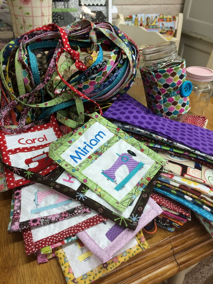 Quilt Guild Project Ideas : 428 best images about Bags - small on Pinterest Coin purses, Pencil pouch and Wallets