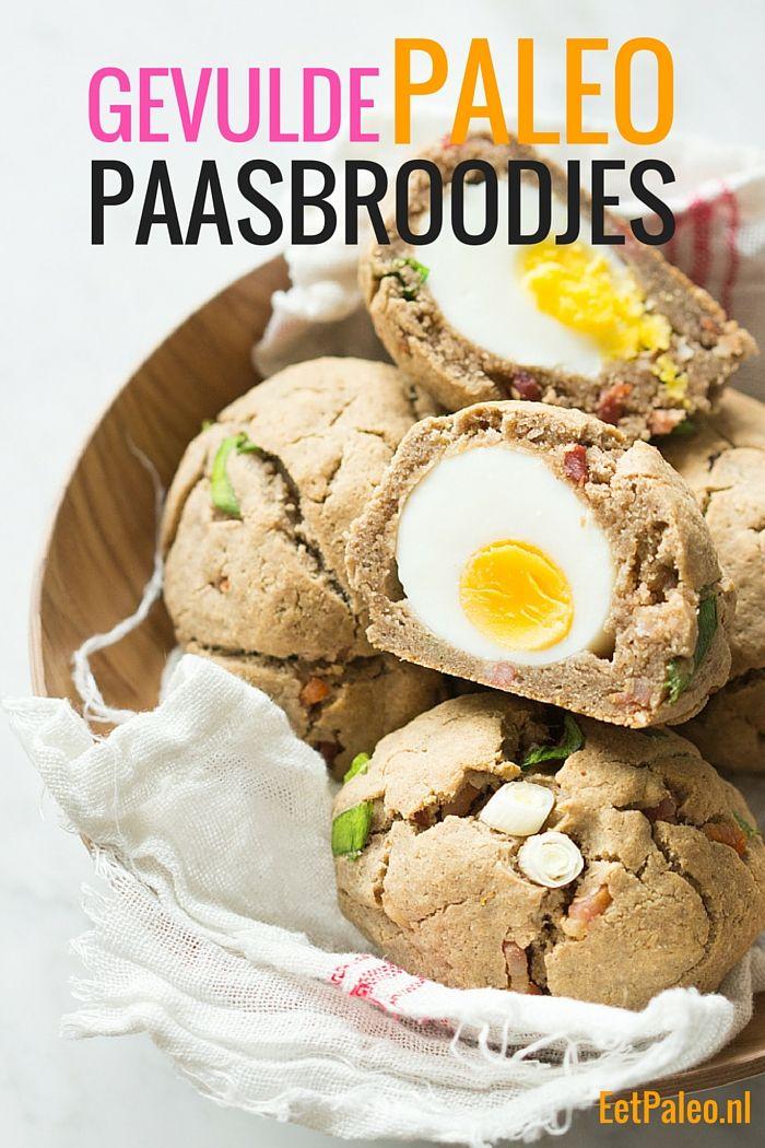 Gevulde Paleo Paasbroodjes met Spek en Ei Knapperig vanbuiten met een heerlijke verrassing vanbinnen. Perfect voor de Paasdagen! EetPaleo.nl