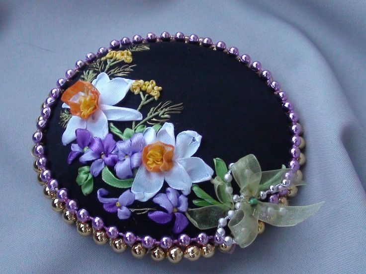 Violets and dafodills #ribbonEmbroidery