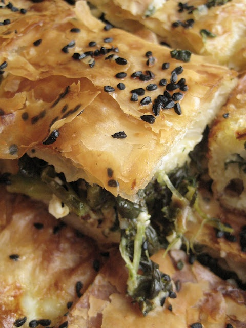 Almost Turkish Recipes: Flaky Spinach Pie (Ispanaklı Tepsi Böreği)