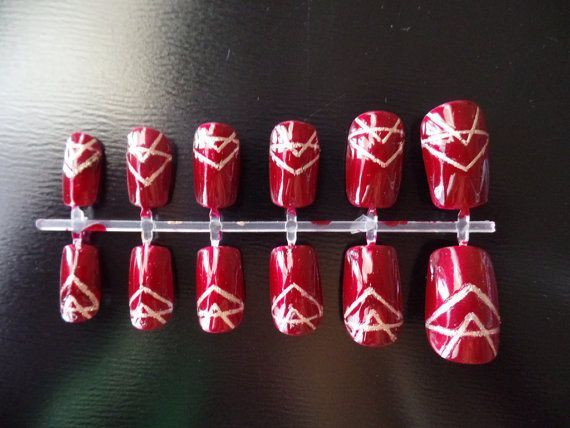 Great Gatsby acrylic nails maroon fake nails burgundy and gold false nails on Et…, #Acryli… – Fake Nail Blog