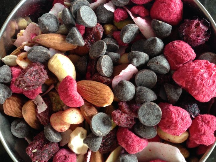 Breast milk boosting recipes... Trail mix, lactation cookies, beer bread, carrot cake smoothie