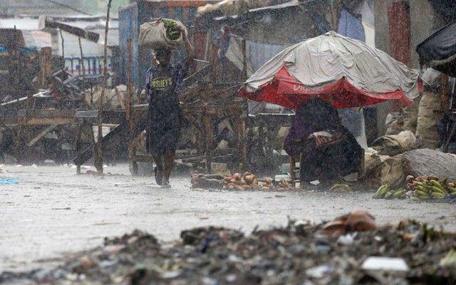 ΟΗΕ: Η Αϊτή είναι η χώρα με τους περισσότερους θανάτους από φυσικές καταστροφές: Η Αϊτή, η οποία είχε πληγεί από έναν φοβερό σεισμό το 2010…