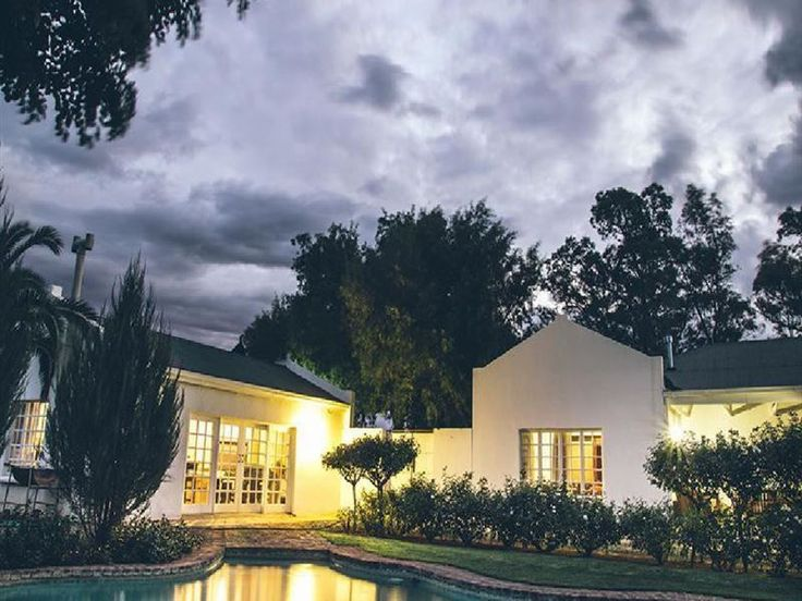 Aan de Voor Safaris - Aan de Voor Safaris is situated just outside of Colesberg, along the N1.The guest house comprises of one cottage, which is well-equipped for self-catering and sleeps four people, and one farm house, which ... #weekendgetaways #colesberg #southafrica