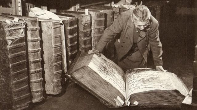 THE GIANT LIBRARY OF PRAGUE CASTLE - PROOF OF A GIANT HUMAN RACE?