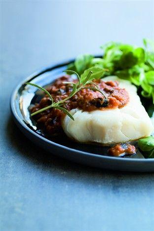 Cabillaud vapeur, sauce tomate aux olives - Larousse Cuisine