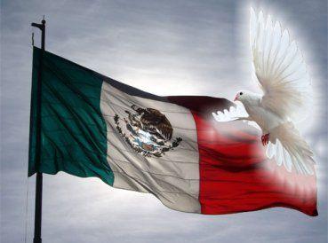 Familias enteras se congregaron en la Ciudad de México para celebrar el Día Nacional de Oración. El evento se desarrolló en el Zócalo de la ciudad. Todos...