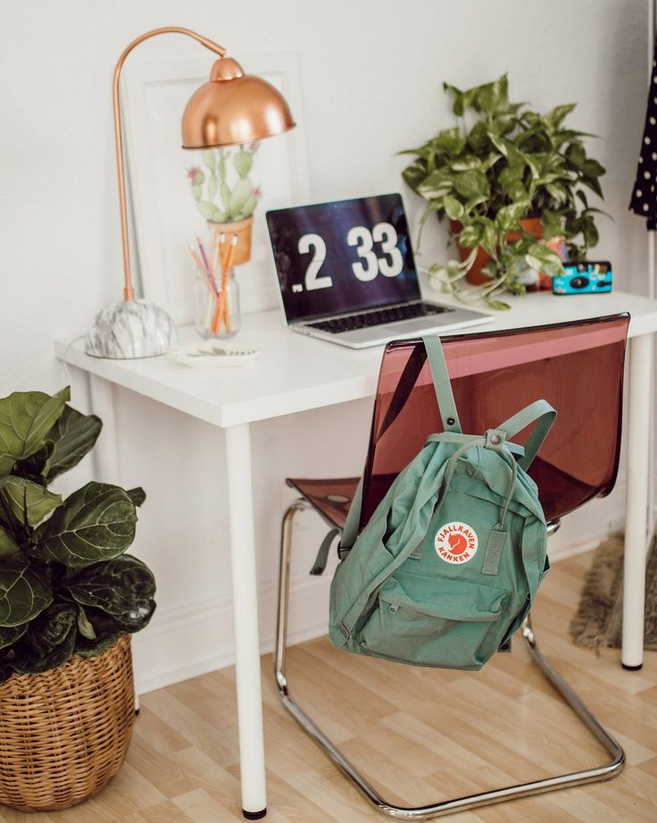 Fjallraven Kanken Forest Green Backpack | Urban Outfitters | Women's | Accessories | Bags & Purses #uohome #urbanoutfitterseu #UOEurope via @natlovesthat