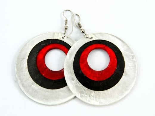 Mother of pearl earrings http://www.etnobazar.pl/search/ca:bizuteria-i-dodatki?limit=128