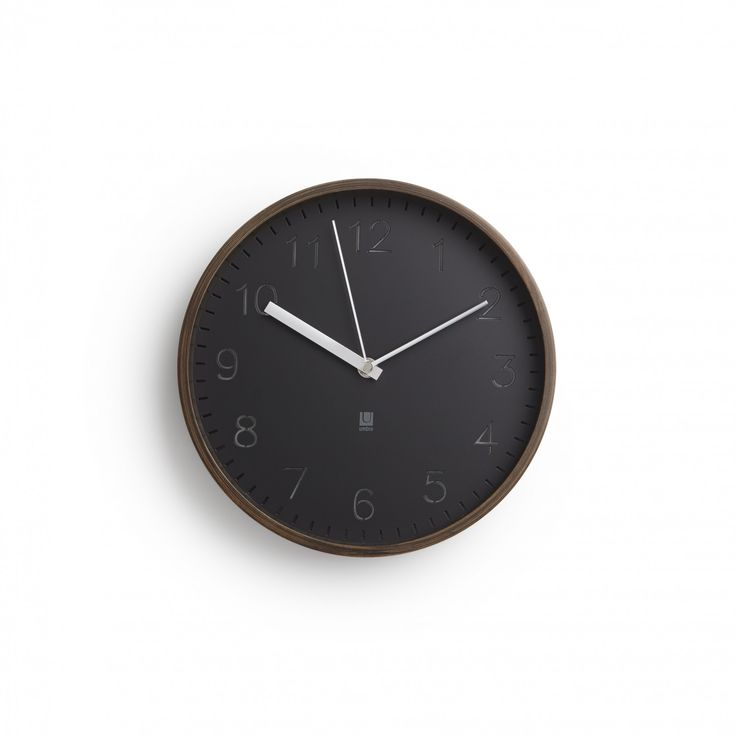 Umbra | Rimwood clock (walnut) | design by Alan Wisniewski