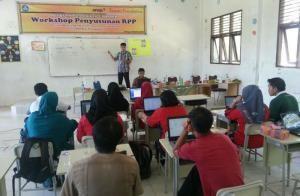 Riau Book - Direktur Utama Bank Riau Kepri DR. Irvandi Gustari tandatangani kerjasama Pembayaran PBB Online dengan Pemerintah Kota Dumai…