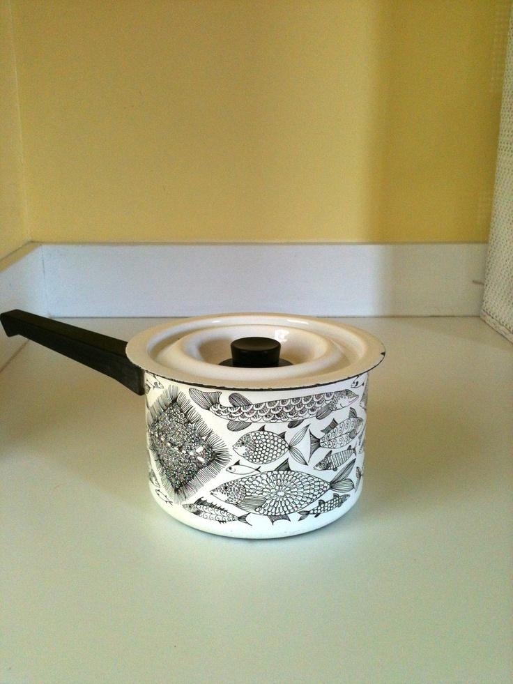 Rare Vintage Mid-Century Arabia Finel Fish Sauce Pan by Kaj Franck. $38.99, via Etsy.