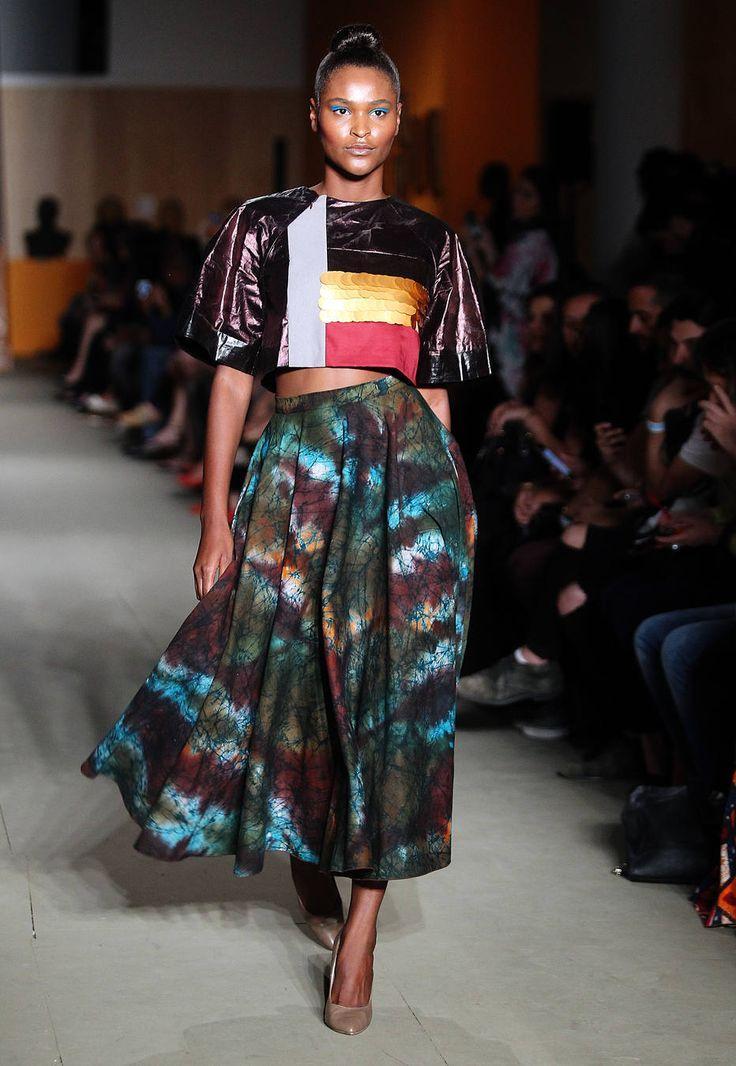 Desfile na SPFW mostra moda africana comercial e globalizada - Vida & Estilo - Estadão