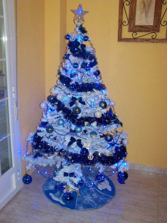 M s de 25 ideas incre bles sobre rboles azules de navidad - Como decorar un arbol de navidad azul ...