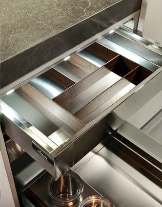 Contemporary kitchen by Elam System