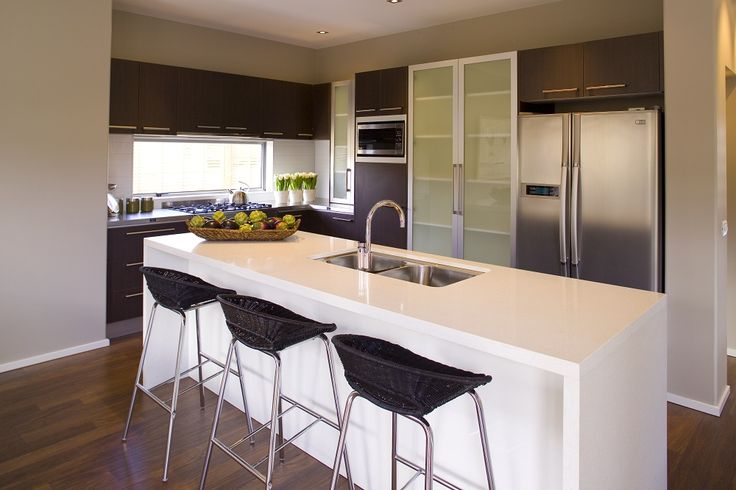 How do you like this Kitchen? I like the two types of cabinetry and the window above the stovetop. http://www.gjgardner.co.nz/show-home/view/4/north-shore