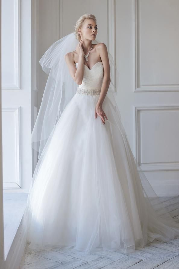 22 best Alicia Cruz images on Pinterest | Bridal dresses, Bridal ...