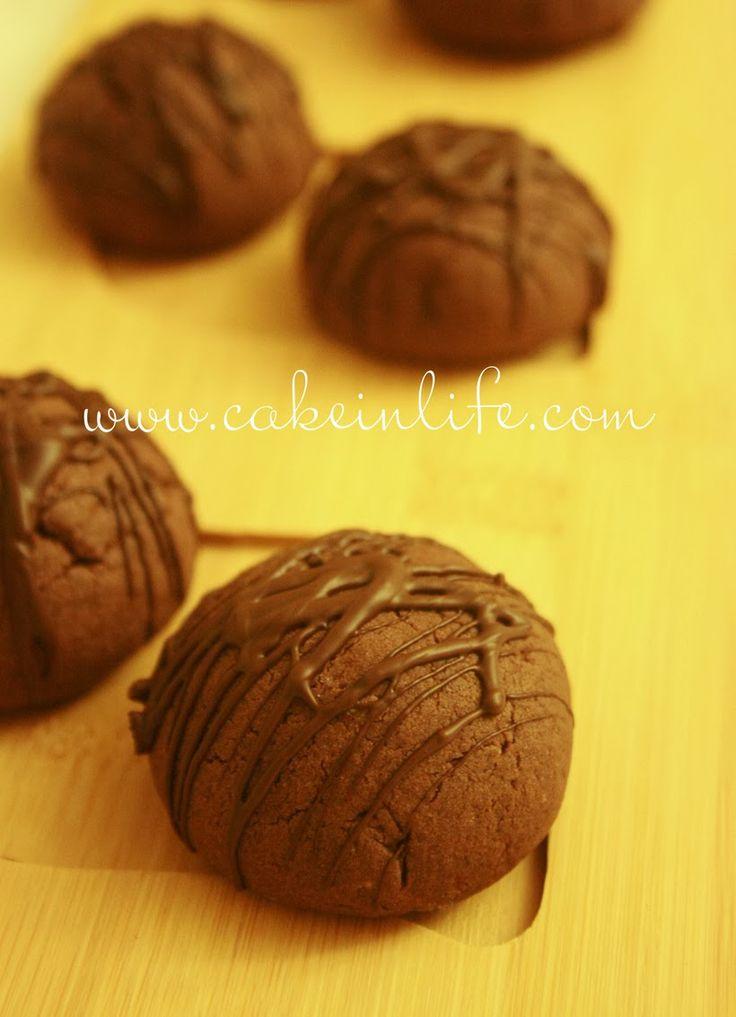 İçi hindistanceviz dolgulu lezzetli kurabiyeler için ,, Malzemeler : 125 gr margarin veya tereyağı 1 çay bardağı sıv...