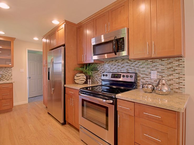 toffee shaker maple pius kitchen bathpius kitchen bath kitchen family rm remodel. Black Bedroom Furniture Sets. Home Design Ideas