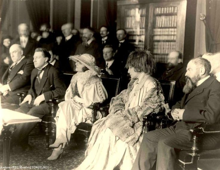 Lucien and Sasha Guitry, Yvonne Printemps, Sarah Bernhardt and Georges Feydeau, wedding day, 1919