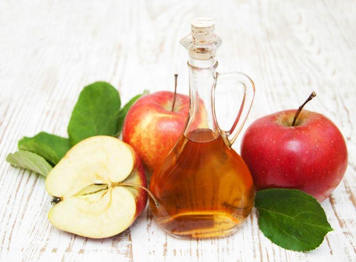Te-ai gândit că oțetul de mere poate fi folosit în cosmetică la prepararea unor măști sau loțiuni? Află câteva utilizări, pe care nu le bănuiai!