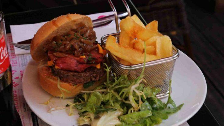 Le #burger du #restaurant Charlie Birdy de Suresnes http://www.restovisio.com/restaurant/charlie-birdy-suresnes-1131.htm