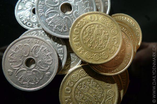 The Danish coins are: 50 øre, 1 krone, 2 kroner, 5 kroner, 10 kroner, 20 kroner...:)