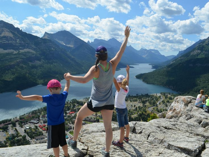 Bear's Hump Hike – Waterton Lake National Park