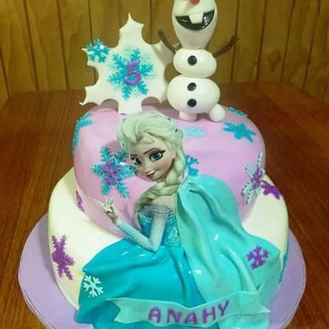 #Olaf #frozen #elsa #fondant #cake by Volován Productos  #instacake #Chile #puq #VolovanProductos #Cakes #Cakestagram