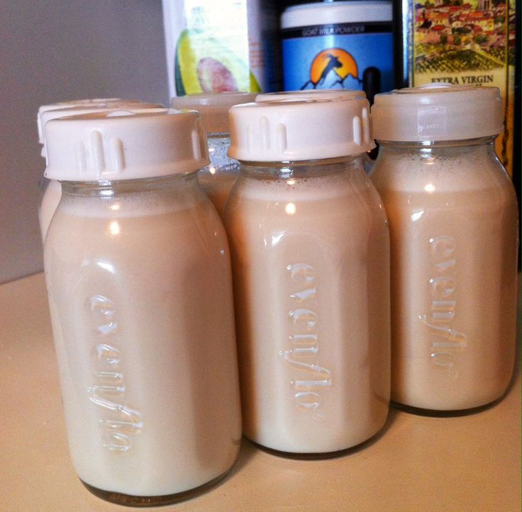 Quick and easy homemade organic formula for babies. Delicious, nutrient dense, goat milk, and inexpensive.
