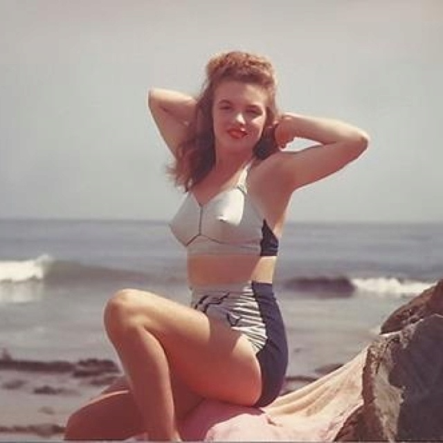young norma jean baker naked