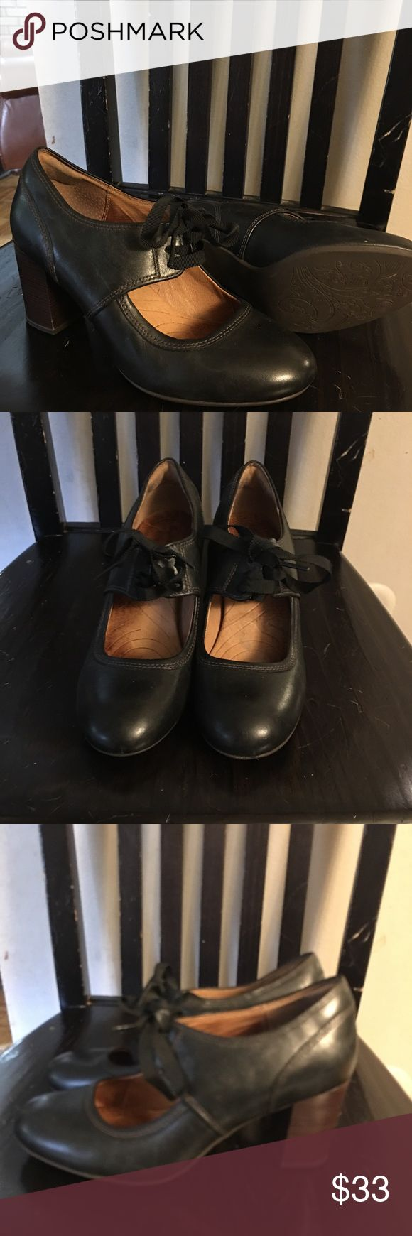 Clark shoes Wore once.. Excellent condition! Clarks Shoes Heels