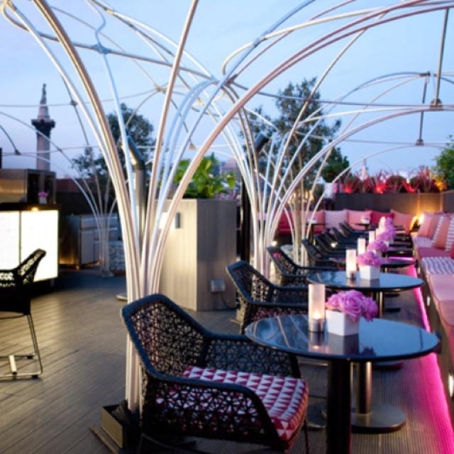 Vista rooftop Bar London